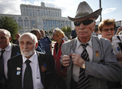Veteran defenders of the Russian parliament gather together to mark the 20th anniversary of the start of the attempted coup.