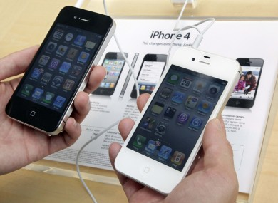 iPhone 4 models on sale at an Apple store