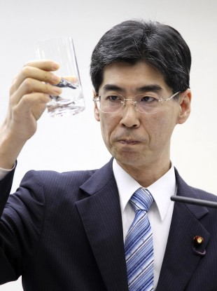 Sonoda drank decontaminated water taken from a radioactive puddle in the crippled Fukushima No 1 nuclear power plant during a news conference