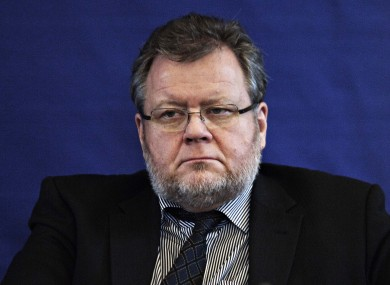 Iceland's foreign minister Ossur Skarphedinsson says he will consult with other Nordic foreign ministers before following up on the parliament's recognition of a Palestinian state.