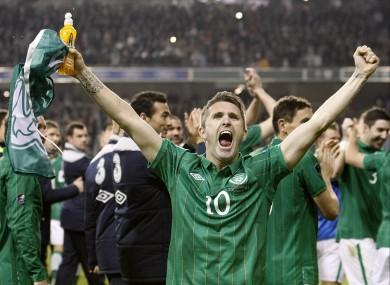 Robbie Keane celebrates Ireland's qualification
