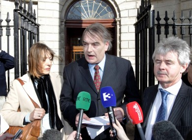 Ian Bailey, centre, pictured with partner Jules Thomas and his solicitor Frank Buttimer leaving the Four Courts today.