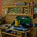 Kitchen facilities at the treehouse. (Image via Joel Allen)