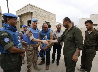 Head of the advance team of UN observers Maj Gen Mood meets Syrian security officers in Hama, 3 May 2012.