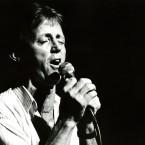 Irish Singing Icon from the showband era Dickie Rock preforming in Dublin.   Image: Eamonn Farrell/Photocall Ireland