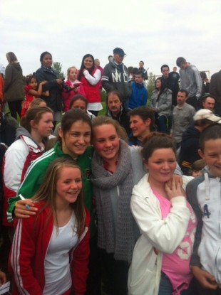 Katie Taylor meets young fans in her hometown of Bray last night.
