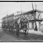 A funeral car bearing floral tributes in Havana, Cuba between 1900 and 1906. (Library of Congress, Prints & Photographs Division)