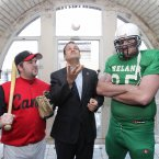 Minister Leo Varadkar with Peter Kavanagh (left) from the Dublin City Hurricanes baseball team and Eoin O'Sullivan from the Drogheda Lightning football team at the Guinness Storehouse. Photo: Mark Stedman/Photocall Ireland