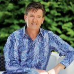 Daniel O'Donnell, a true pro at the aul calendars, shakes things up for 2013 with a lovely stripey shirt. (Cover image via Amazon.co.uk)