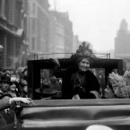 Emmeline Pankhurst leaves Bow Street police station, London after being bailed on a conspiracy charge, 1912. (PA Archive)