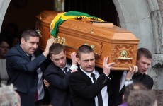 Hundreds gather at Páidí Ó Sé's funeral