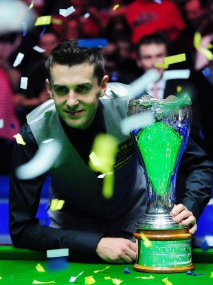 Mark Selby poses with his new trophy.