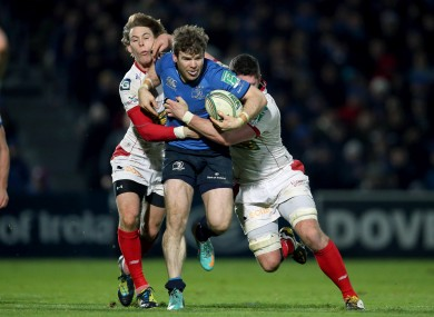 Gordon D'Arcy tries to breakthrough the Sacrlets defence.