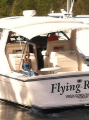 Poor, sad Taylor Swift leaves the Virgin Islands after the break up.