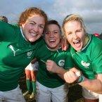 Fiona Coghlan, Lynne Cantwell and Joy Neville celebrate the Irish win. ©INPHO/Dan Sheridan