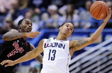 Kevin Ware suffers horrific leg injury in Louisville-Duke game, players brought to tears