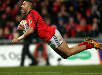 Simon Zebo dives over for a Munster try.