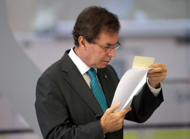 TDs will debate Alan Shatter's performance this evening and tomorrow, ahead of a vote on his future tomorrow night.