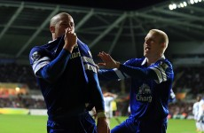 Barkley's stunning free-kick sees Everton move into top four