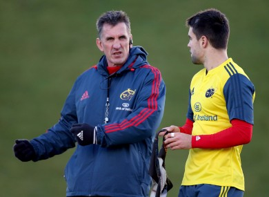 Munster coach Rob Penney chats to scrum-half Conor Murray.
