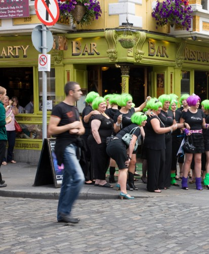 HEN PARTY IN TEMPLE BAR