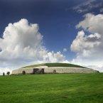 Newgrange (Shutterstock)