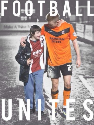 Scunthorpe release superb 'Football Unites' poster featuring Ireland's Paddy Madden