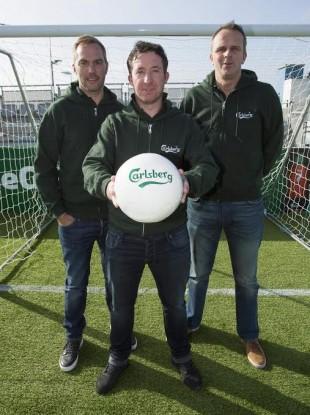 Jason McAteer, Robbie Fowler and Didier Hamann in Dublin yesterday.