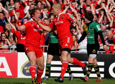 Paul Warwick celebrates a winning try against Northampton with Jerry Flannery in 2010.