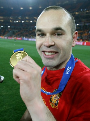 Players such as Anders Iniesta have considerable experience of winning major trophies.