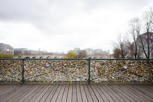Love locks caused a paris bridge rail to collapse but why for The lock bridge in paris