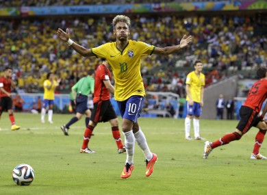 Brazil's Neymar tries to lift the crowd during the 0-0 draw with Mexico.