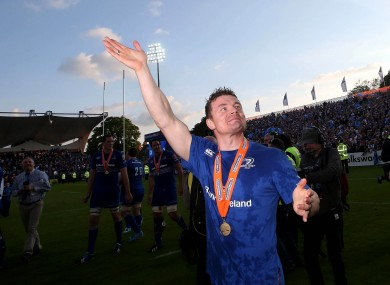 O'Driscoll acknowledges the cheering Leinster fans at the RDS.