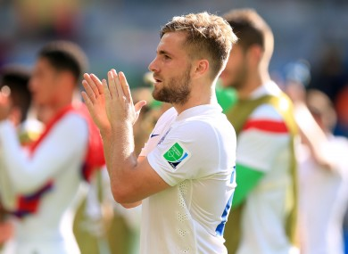 Southampton left-back Luke Shaw is due to have medical at Manchester United ahead of a proposed move.