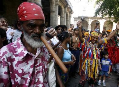 Now THAT'S a cigar. Havana street scene, 2007.
