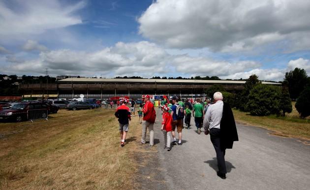 Fans arrive at Páirc Uí Chaoimh ahead of the game
