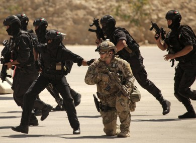 US and Iraqi Special Forces carry out a training exercise.