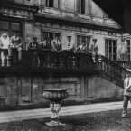 Convalescencing soldiers in the grounds of Longleat House, the seat of the Marquis of Bath, which was used as a war relief hospital.<span class=