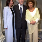 Reynolds with his wife Kathleen and daughter Cathy.<span class=