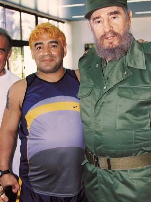 Castro and Maradona pictured in 2000