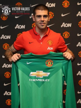 Valdes with the United shirt.