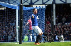 A rare goal from an Irish Toffee puts Everton ahead against Man United