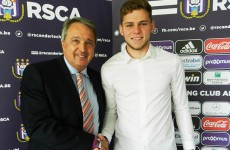 18-year-old Irish goalkeeper signs professional contract with Belgian giants