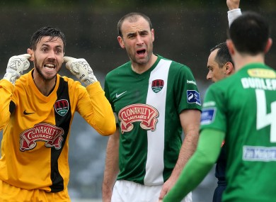 Johnny Dunleavy gets an earful from Mark McNulty and Dan Murray.
