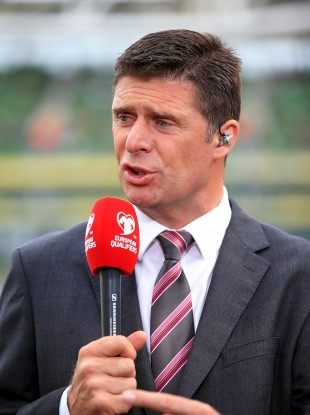 Former Ireland international Niall Quinn believes young Irish footballers need to be wiser in their choices.