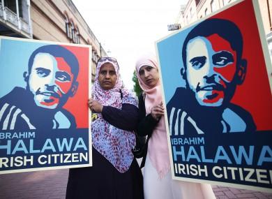 Nosayba (left) and Somaia Halawa, sisters of Ibrahim Halawa, on Grafton Street in Dublin's city centre.