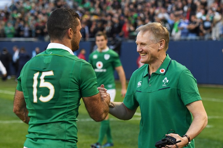 http://c2.thejournal.ie/media/2016/11/joe-schmidt-celebrates-winning-with-rob-kearney-752x501.jpg