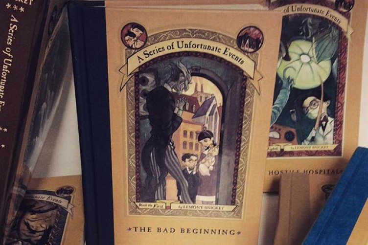 a series of unfortunate events 1 the bad beginning netflix tie in edition