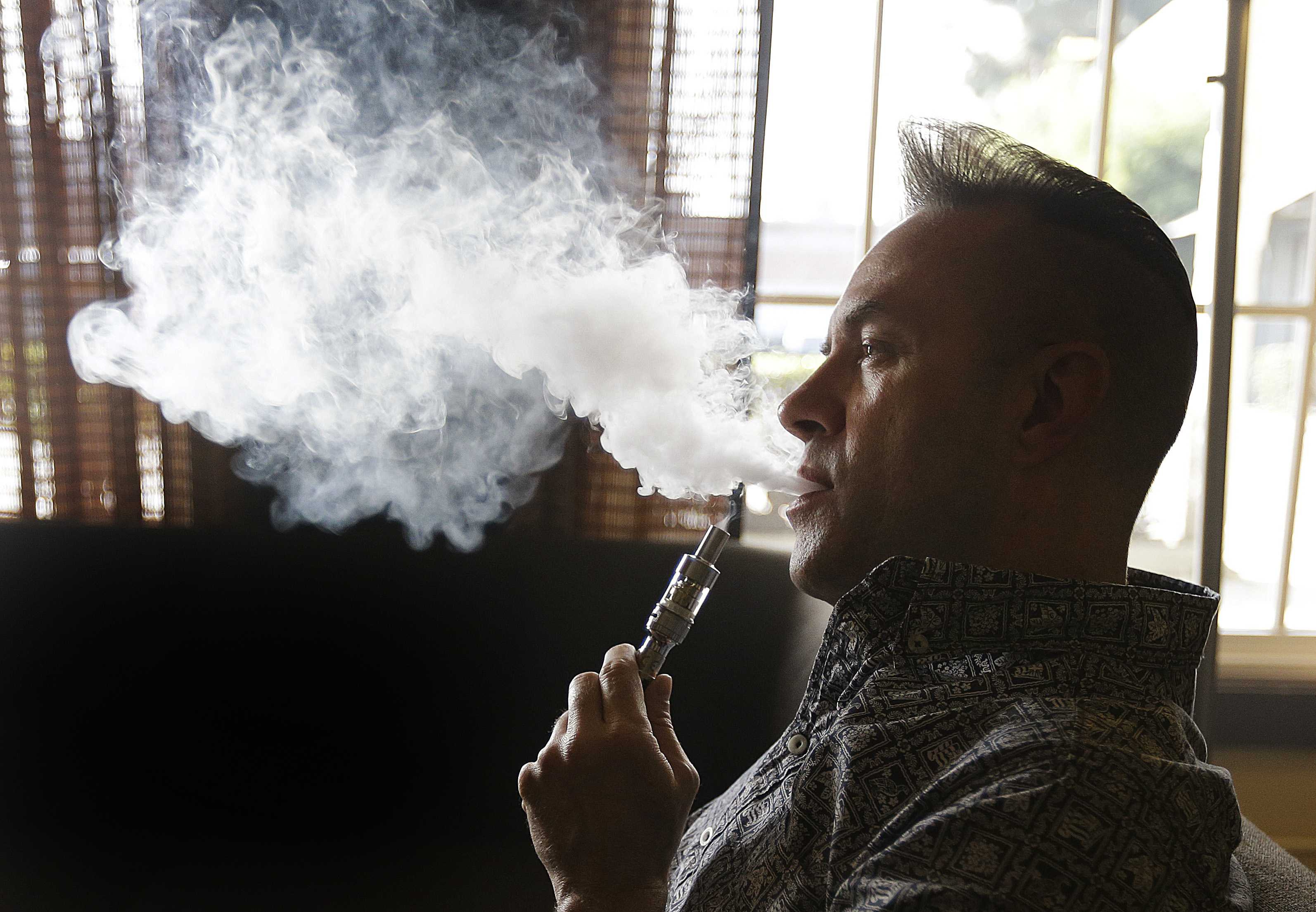 Success of E-cigs cautiously backed by Hiqa report