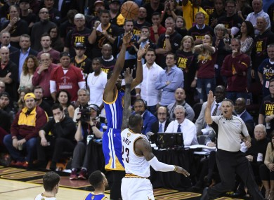 Kevin Durant hit's the game-changing shot.